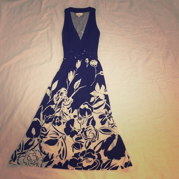 1c232e2674 ECI Dresses | New York Black And White Floral Dress | Poshmark